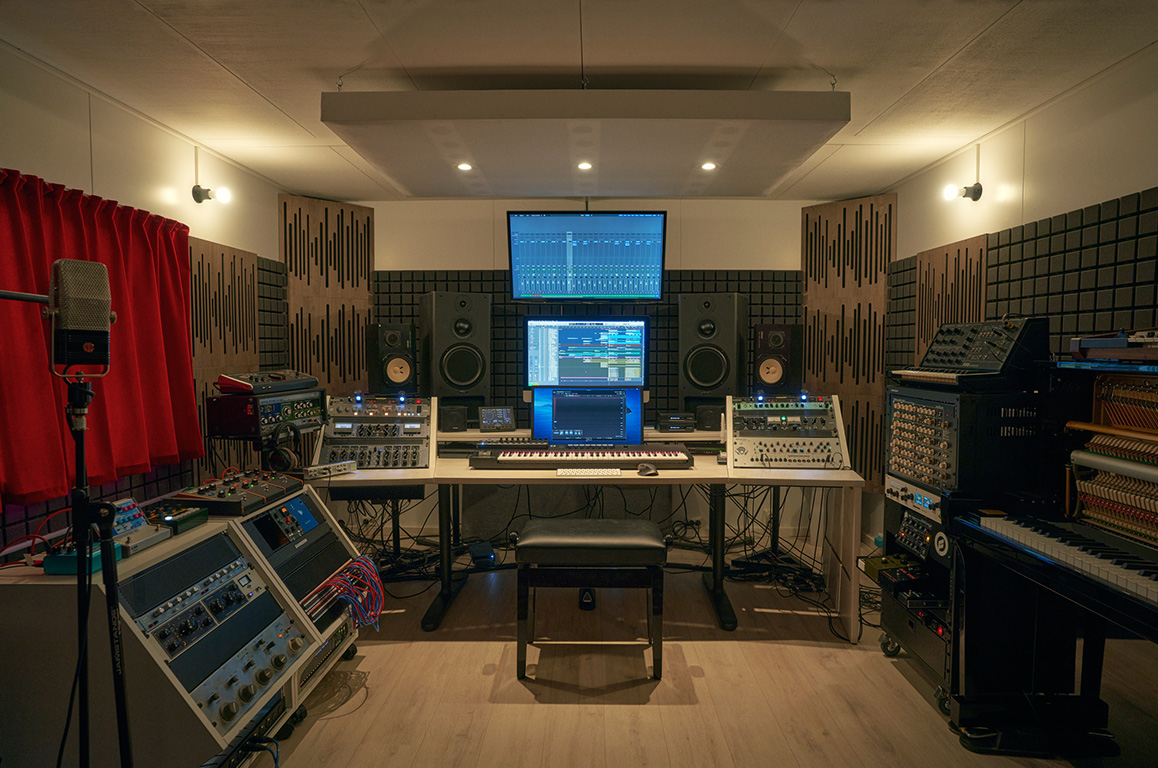 Wouter Hardy Music Producer Studio 00