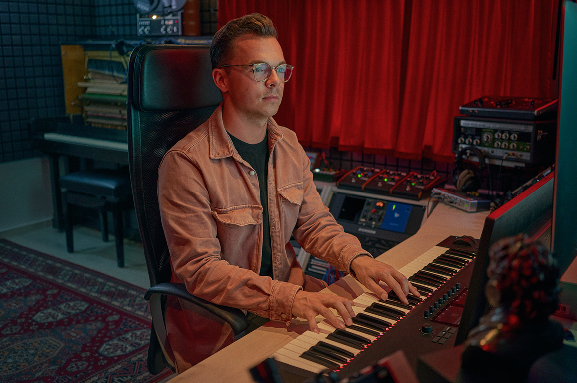 Wouter Hardy Music Producer Studio 05